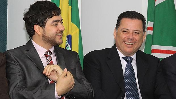 """Marconi Perillo, amigo de Jovair Arantes há 40 anos, chama Henrique Arantes de """"sobrinho"""""""