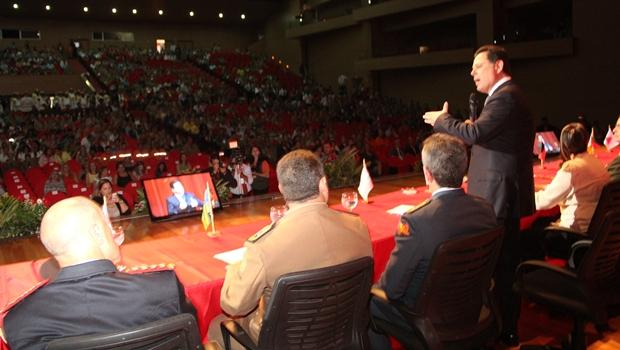 Governador participa da abertura de seminário, congresso e feira de Bombeiros do Brasil