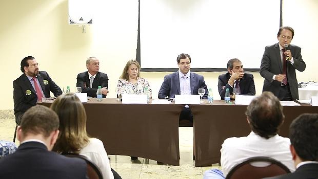Aldo Arantes (dir), secretário da Comissão Especial de Mobilização da Reforma Política | Divulgação