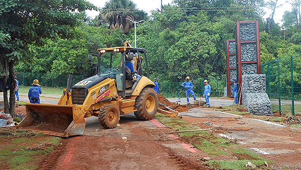 Prefeitura faz reparos no Macambira após estragos da chuva