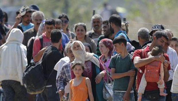 """União Europeia registrou 800 mil """"entradas ilegais"""" em 2015"""