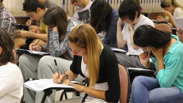 UEG abre processo seletivo para os cursos de Medicina e Direito