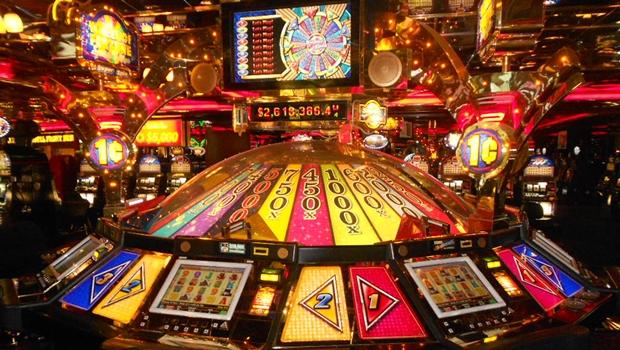 Comissão aprova projeto que regulamenta cassino, bingo e jogo do bicho
