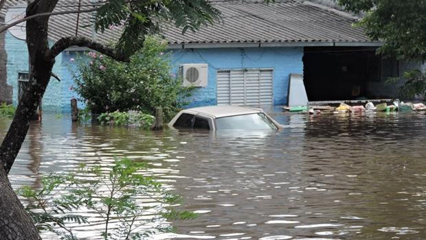Inmet emite alerta de perigo por conta das chuvas e prevê ventos de 60 km/h em Goiás