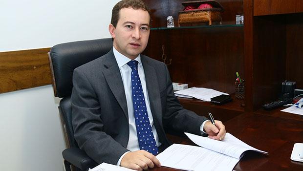 Dyogo Crosara, convidado para a Casa Civil, decide ficar fora do governo
