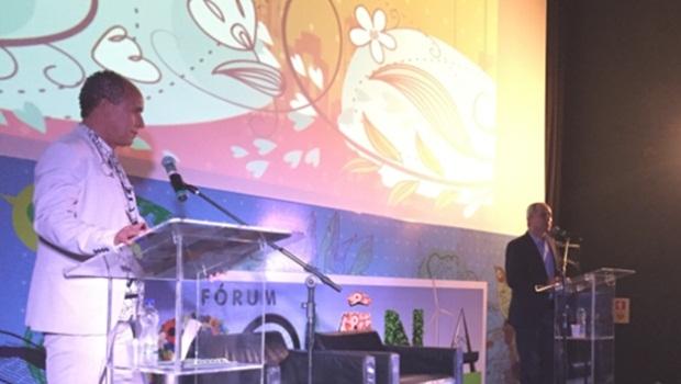 O organizador Marcus Vinicius e o empresário Luiz Bittencourt, um dos convidados do evento | Foto: Alexandre Parrode/ Jornal Opção