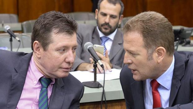 José Nelto (esq) e Major Araújo tiveram pedido de vistas negado | Y. Maeda/Assembleia