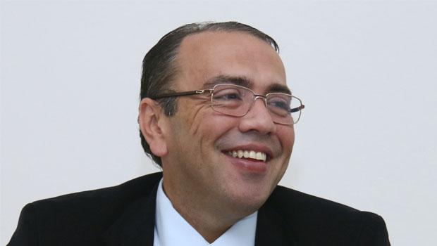 Marqueteiros dizem que Eduardo Machado parece um autômato nas pílulas do PHS