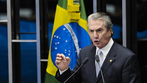 Senador Fernando Collor (PTB-AL) destaca sua absolvição, pelo Supremo Tribunal Federal, em processo no qual foi acusado dos crimes de peculato, corrupção passiva e falsidade ideológica no período em que ele era presidente da República