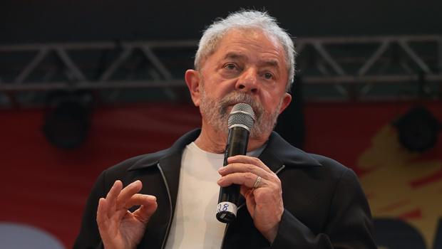 Advogados dizem que investigação contra Lula atende anseio pessoal de autoridades