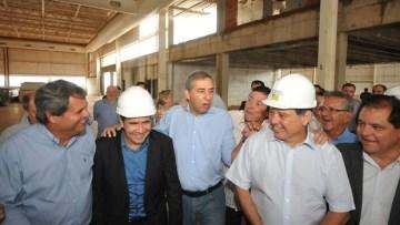 Marconi vistoria obras ao lado do secretário José Elinton e do prefeito Anápolis, João Gomes   Foto: Reprodução/Facebook