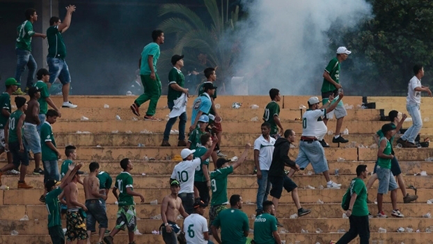 Após briga, Goiás é punido com dois jogos de portões fechados e multa de R$ 50 mil