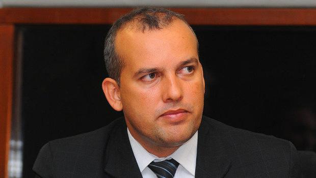 Deputados podem deixar Eurípedes Júnior sozinho no Pros