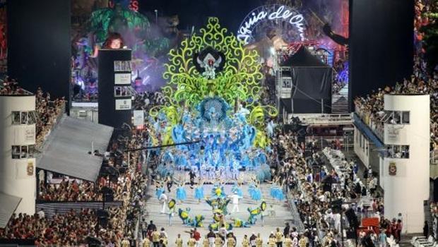 A Escola de Samba Pérola Negra abriu, o desfile de carnaval de São Paulo no Sambódromo do Anhembi, zona norte da capital paulista | Foto: Rafael Neddermeyer/ LIGASP