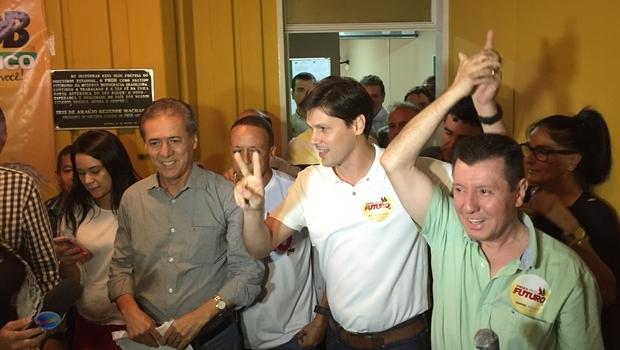Vitória do parlamentar foi comemorada na sede do PMDB, em Goiânia   Foto: Alexandre Parrode/Jornal Opção
