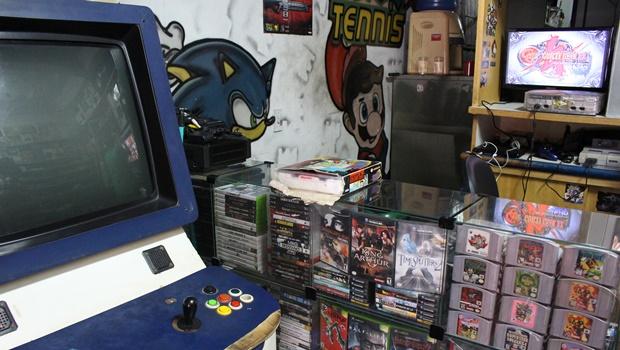 Mesmo após 26 anos do lançamento, Super Nintendo segue movimentando mercado em Goiânia