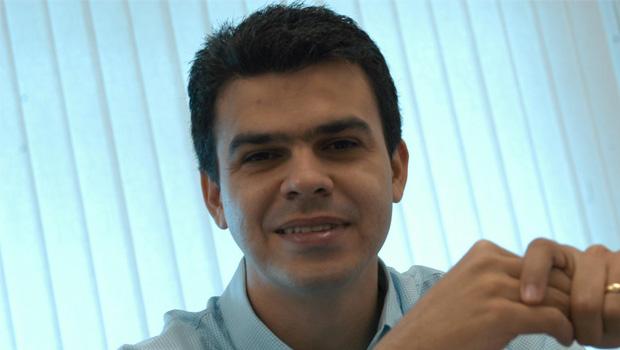 Lissauer Vieira articula aproximação com Daniel Vilela