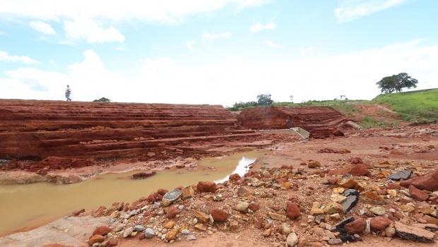 Duas barragens se rompem em Goiás e mais de 7 toneladas de peixes são mortos