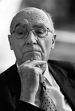"""José Saramago, sobre os livros de Lygia: """"Releio-os uma vez mais, palavra a palavra, saboreando"""""""