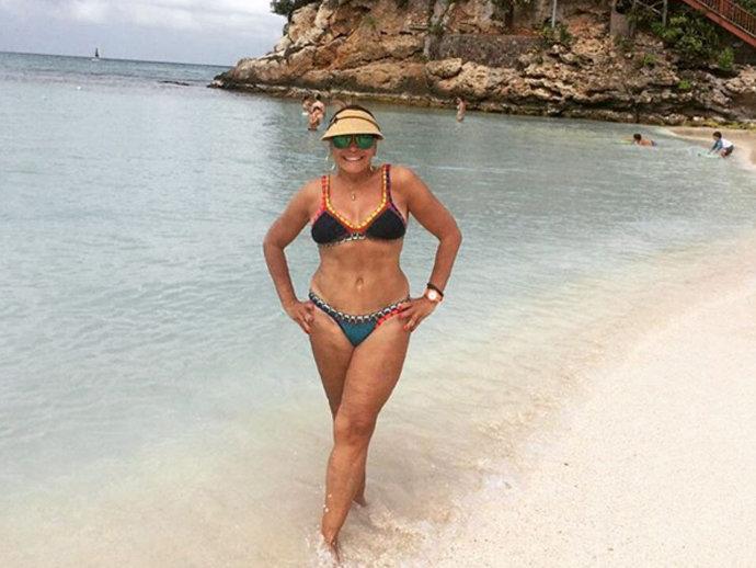 Susana Vieira, de 73 anos, mostra foto de biquíni e exibe corpão que provoca inveja em muita mulher
