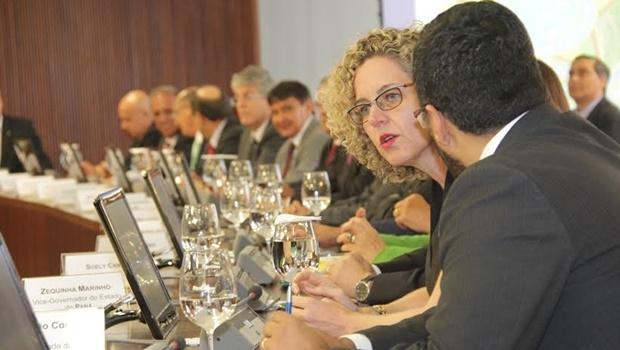 ana-carla-abrao-sefaz-brasilia-plc