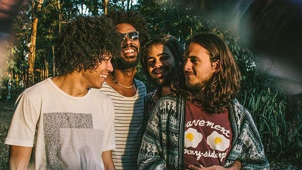 """Na ocasião, a banda Boogarins lança seu mais novo álbum, """"Manual"""""""