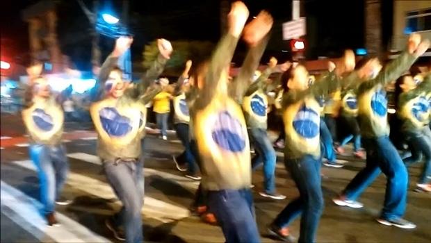 """Prepare-se para a manifestação de domingo aprendendo a """"dancinha do impeachment"""""""