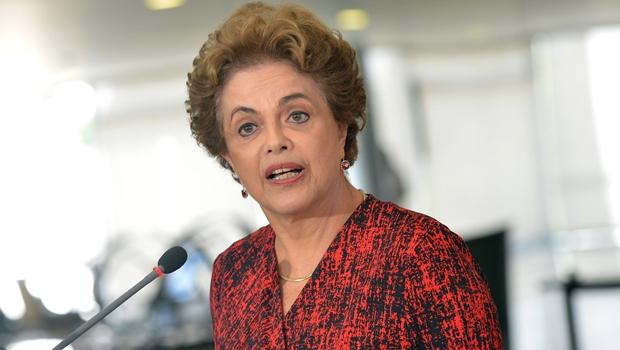 Grupo de juristas goianos lança manifesto contra impeachment de Dilma Rousseff