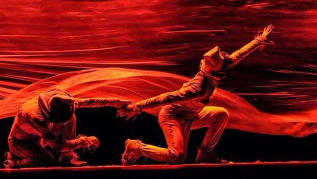 Grupo Sonhus Teatro Ritual celebra 20 anos apresentando o espetáculo Q.Q.ISS:! em Goiânia