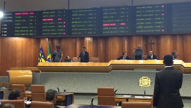 Vereadores aprovam renovação de concessão da Saneago por 30 anos