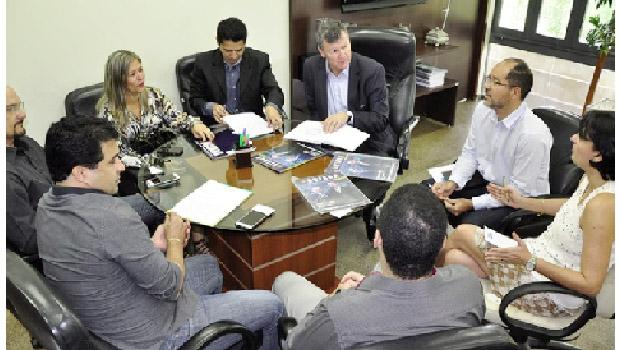 Empresários com o secretário da Fazenda, Edosn Nacimento: reunião produtiva