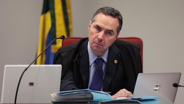 """""""O mundo não está nos olhando horrorizado por acaso"""", diz Barroso sobre desmatamento na Amazônia"""