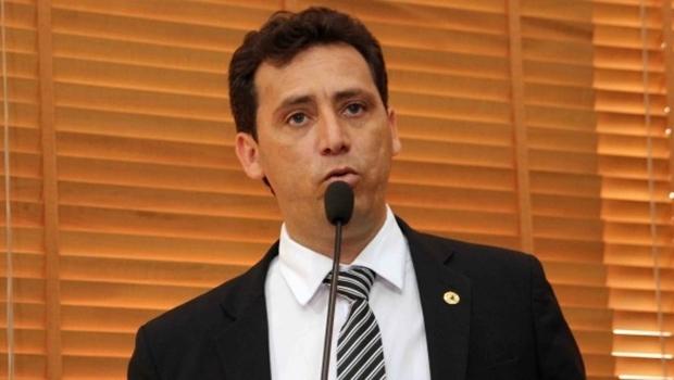 Deputado Jairo Carvalho apresentou projeto para que alunos dos ensinos fundamental e médio aprendam sobre corrupção | Foto: Divulgação
