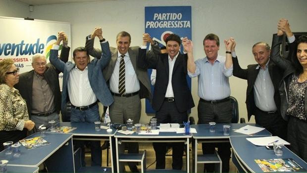 Políticos do PP, PSDB e outros partidos da base aliada do governador participam de evento na sede do Partido Progressista | Foto: Divulgação