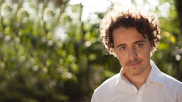 Novo livro de Ramon Nunes Mello é um mergulho na vida interior