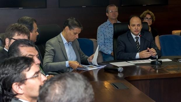 Secretário estadual de Desenvolvimento (SED), Thiago Peixoto, apresentou as metas da sua pasta no Programa Goiás Mais Competitivo na manhã desta sexta-feira (1º/4)   Foto: Leopoldo Fernandes/SED