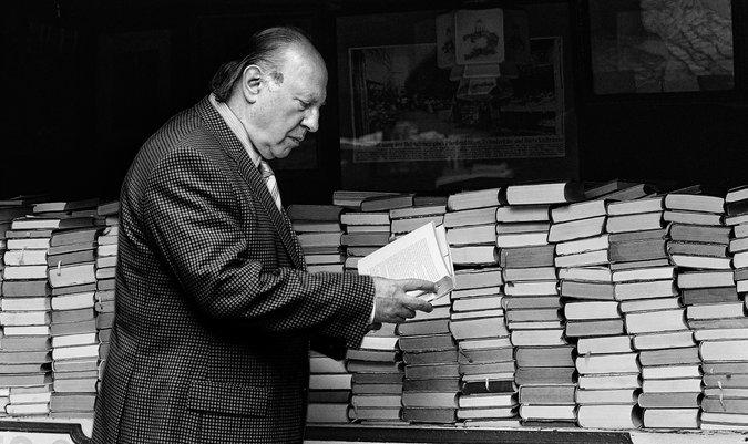 Imre Kertész trouxe o Holocausto para perto do leitor para ser entendido e desconstruído