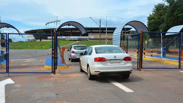 Estádio Serra Dourada passa a cobrar estacionamento a partir deste domingo