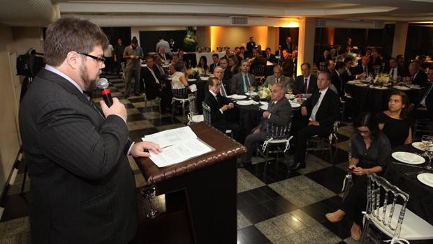 Entidades empresariais oferecem jantar em agradecimento à aprovação do impeachment na Câmara