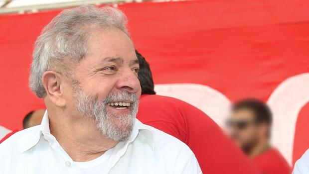 Pesquisa aponta que 34,4% dos eleitores votariam em Lula mesmo que esteja preso