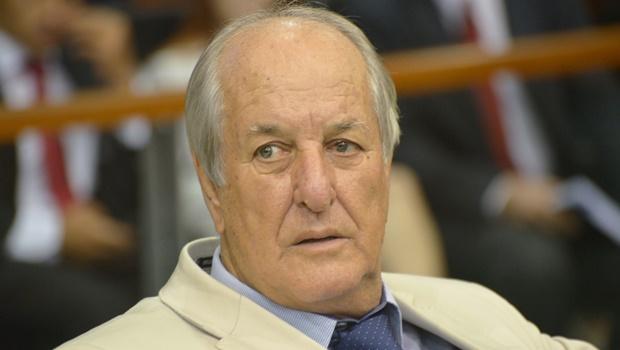 Mané de Oliveira quer proibir taxas de prova e disciplina em instituições de ensino privadas