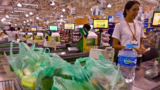 Projeto de lei quer proibir sacolas plásticas no estado de Goiás