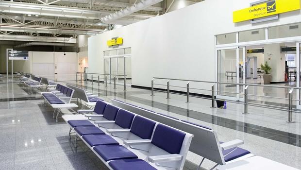 Em dia de greve geral, voos podem ser cancelados ou adiados sem multa. Veja como