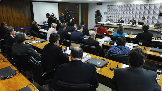 Comissão Especial do Impeachment vota Foto: Marcos Oliveira/Agência Senado