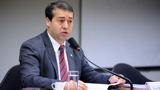 Ministro do Trabalho pede demissão e Temer anuncia substituto
