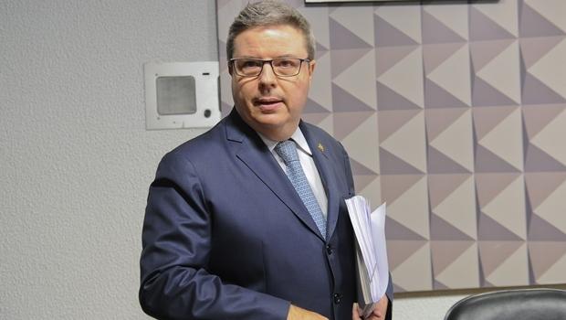 Relator da Comissão do Impeachment, senador Antônio Anastasia | Foto: Marcos Oliveira/Agência Senado