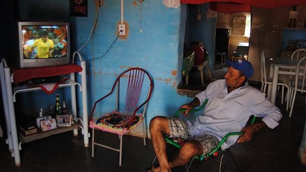 Contas de água, luz e gás comprometem o orçamento das famílias mais pobres