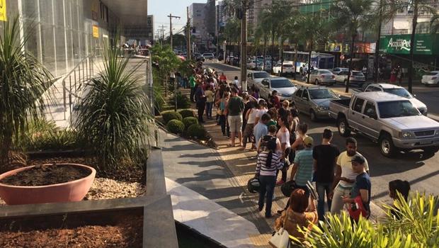 Goianiense deixa para regularizar título de eleitor no último dia e enfrenta horas na fila