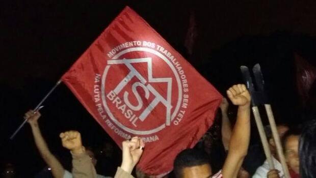 Militante do MTST é baleada durante manifestação em SP