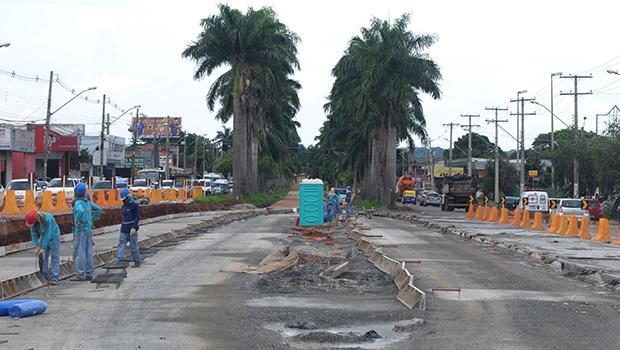 Obra do BRT em Goiânia: Paulo Garcia encarou o desafio de realizar algo para melhorar o transporte coletivo na cidade | Foto: Fernando Leite / Jornal Opção